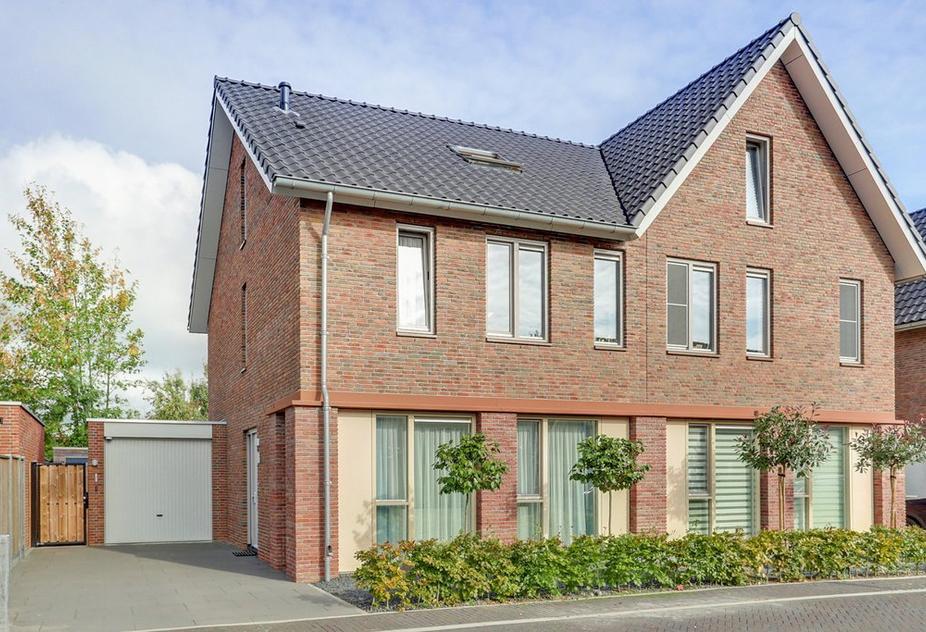 Tangostraat 28 in Apeldoorn 7323 SZ