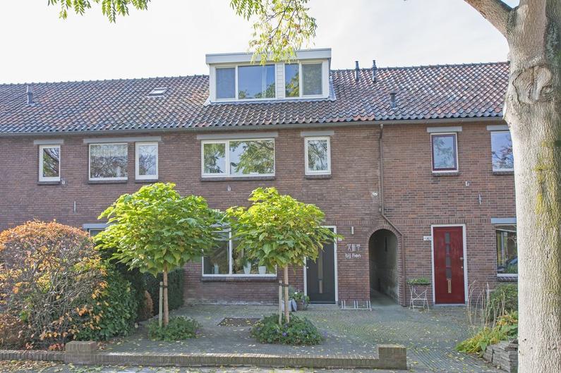 Vondelstraat 44 in Alphen Aan Den Rijn 2406 XJ