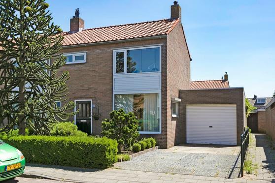 Jan Van Ruusbroeckstraat 25 in Vught 5262 TC