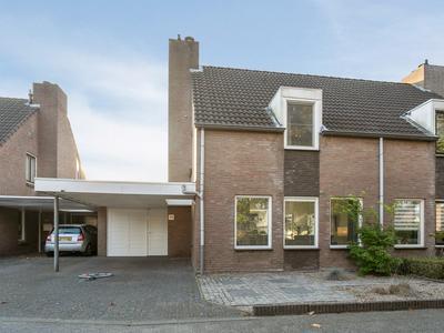 Dokter Barentsenstraat 34 in Bergeijk 5571 DG