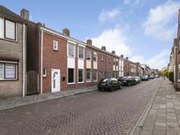 Oosterstraat 27 in Dinteloord 4671 BW