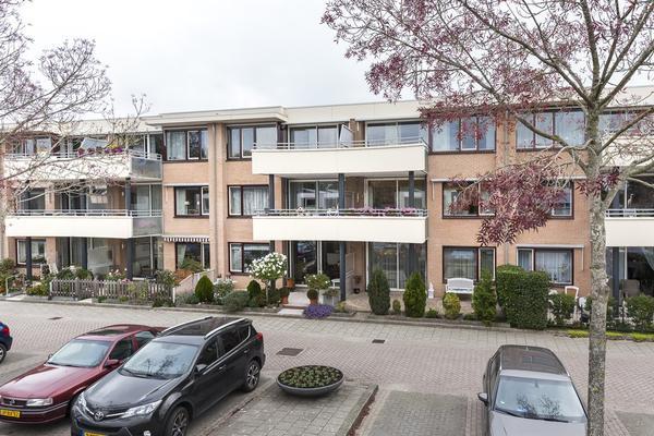 Hoefbladstraat 9 in Nieuw-Vennep 2153 EX