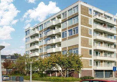 Van Boshuizenstraat 625 in Amsterdam 1082 AX