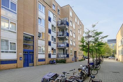 Muntendamstraat 42 in Amsterdam 1091 DV