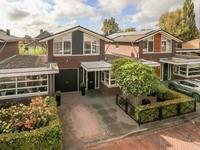 Van Hogendorpstraat 9 in Numansdorp 3281 SW