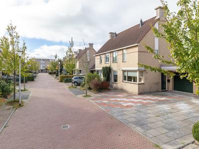 Willem Versteeghstraat 6 in Sassenheim 2171 RB