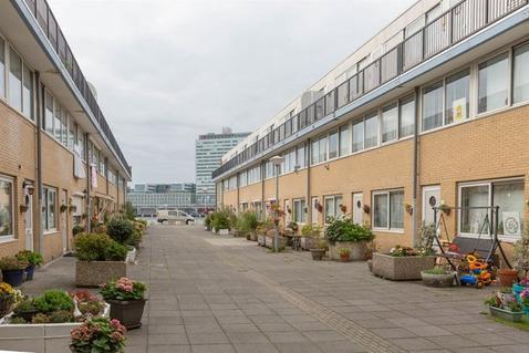 Buitendraaierij 8 in Amsterdam 1021 NN