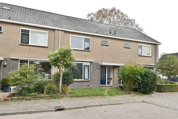 Seringenlaan 26 in Hoevelaken 3871 CD