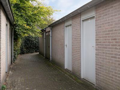 Deken Van Roestellaan 32 in Rosmalen 5243 GM