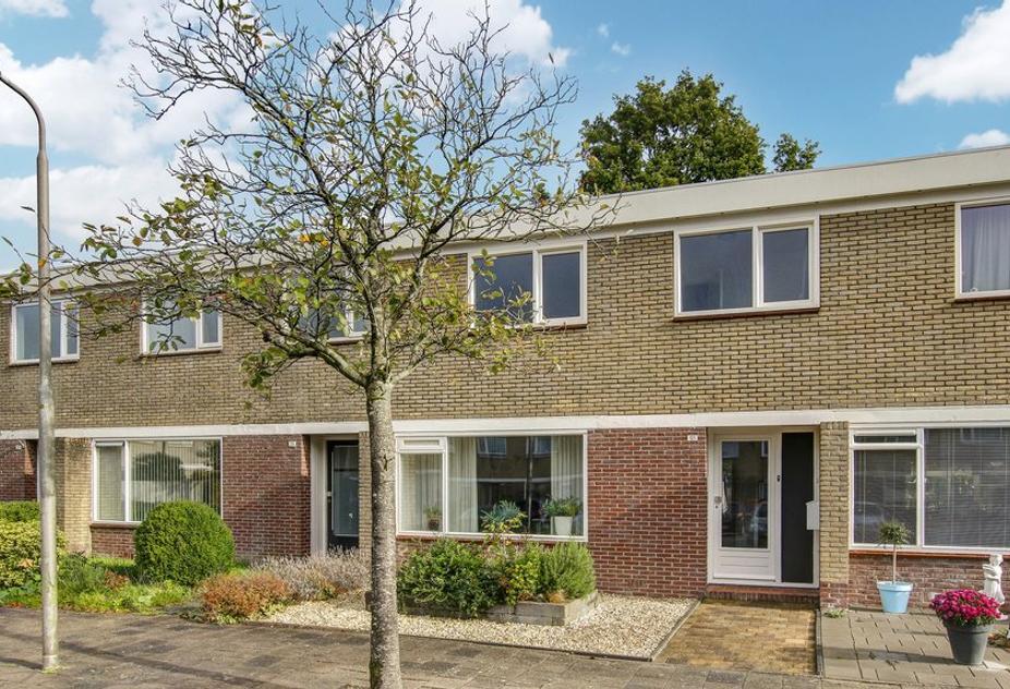 De Bird 121 in Leeuwarden 8918 EW