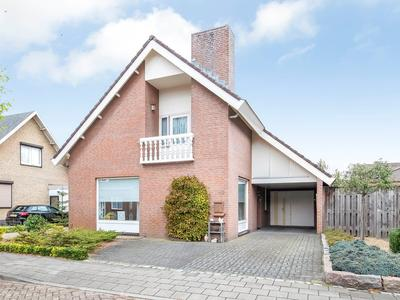 Meidoornstraat 12 in Venhorst 5428 GK