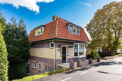 Maasdijk 52 in Wijk En Aalburg 4261 AG