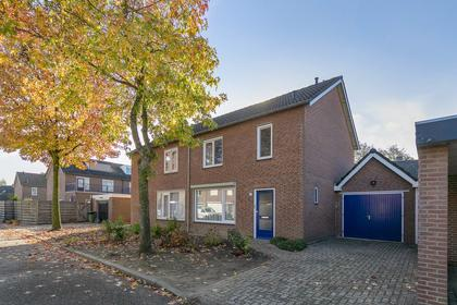 Korenbloemstraat 3 in Haps 5443 BV