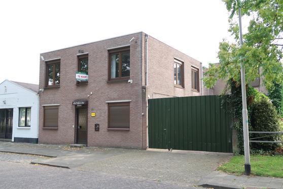 Lovensekanaaldijk 21 in Tilburg 5046 AV