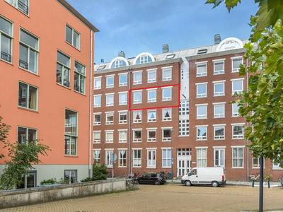 Knsm-Laan 736 . in Amsterdam 1019 LS