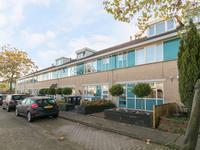 Else Mauhsstraat 8 in Spijkenisse 3207 WN