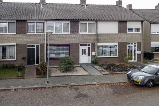 Graaf Hendrik Van Den Bergstraat 33 in Venlo 5923 CD