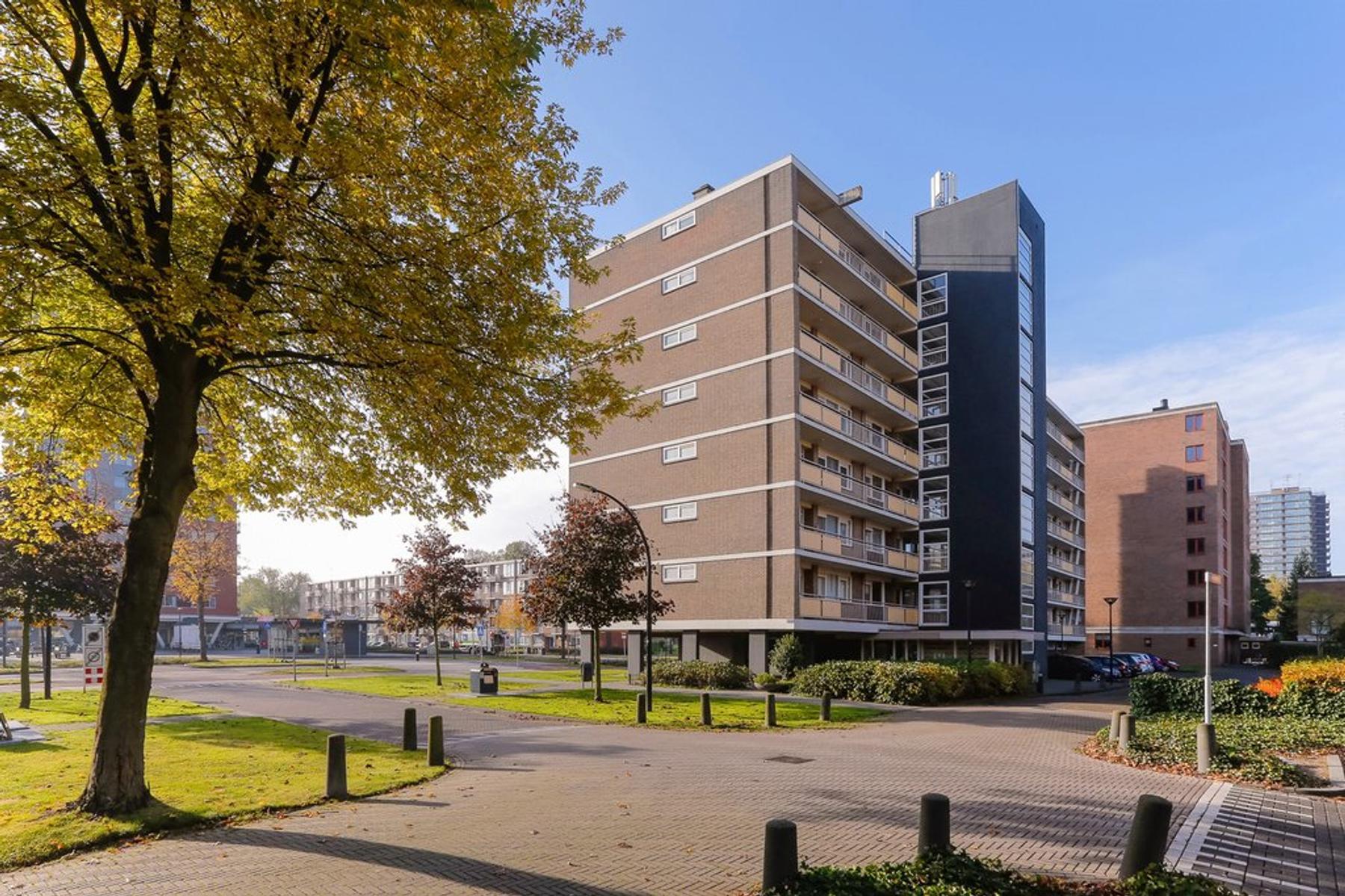 Willem Landreplein 68 in Schiedam 3122 TN