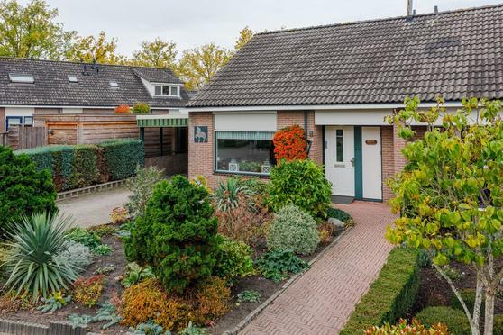 Dinkelstraat 1 in Nijverdal 7442 AM