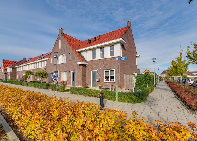 Kruissloot 47 in Willemstad 4797 ET