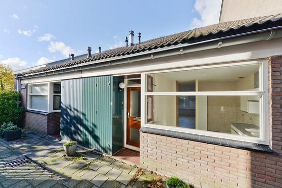 Lauwerbes 4 in Leiden 2318 AT