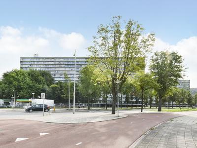 Burgemeester Hogguerstraat 1103 in Amsterdam 1064 EH