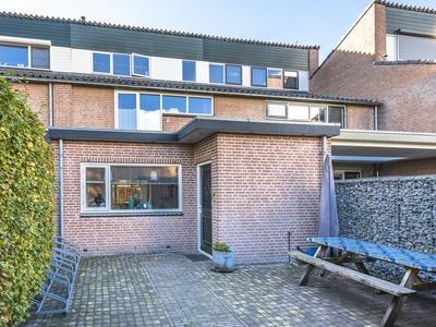 Doornenburg 45 in Barneveld 3772 ZP