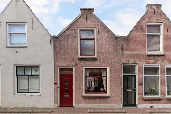 Dijkstraat 15 in Brielle 3231 CB