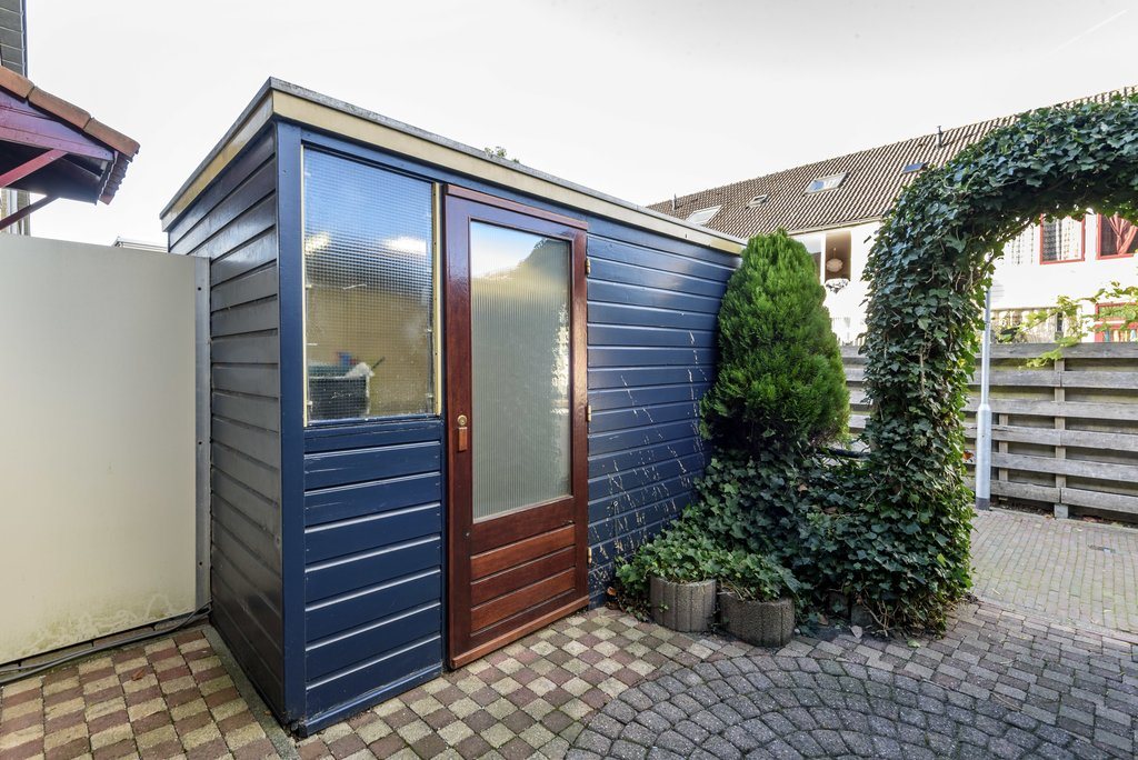 Meanderhof 115 in middelburg 4337 gp: woonhuis te koop. casco