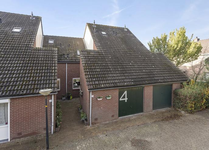 Ambtsrichtersveld 4 in Apeldoorn 7327 JA