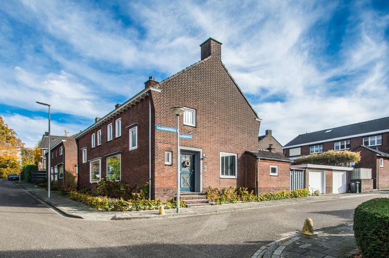 Schipholstraat 1 in Heerlen 6417 GA