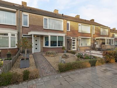 Doctor Poelsstraat 3 in Geffen 5386 BV