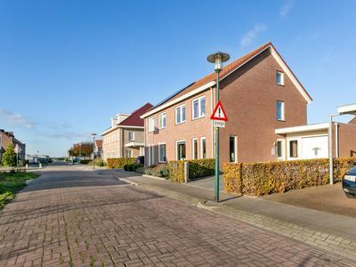 Burgemeester Ten Cateweg 10 in Blokzijl 8356 HL