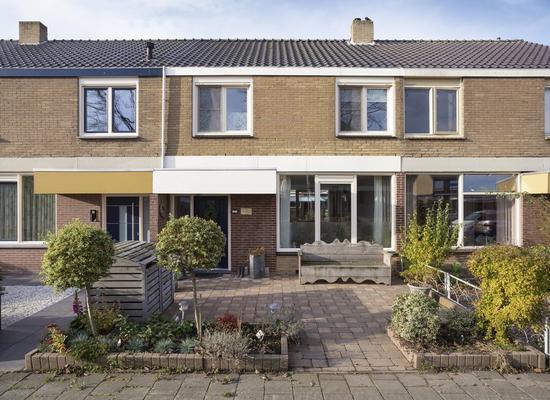 Rode Kruisstraat 37 in Zevenbergen 4761 GM