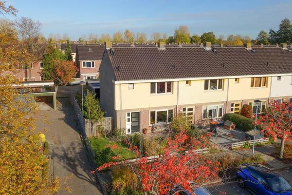 Hertog Albrechtstraat 391 in Bovenkarspel 1611 GL
