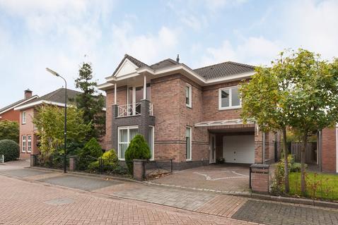 Maisveld 10 in 'S-Hertogenbosch 5236 VC