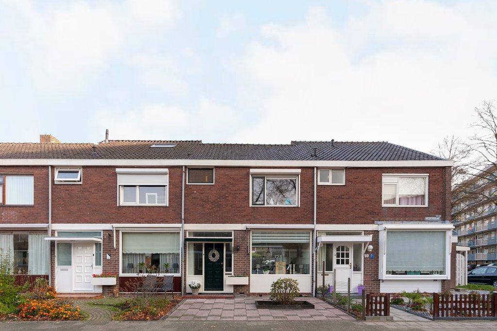 Zonwering Slaapkamer 51 : Brederodehof 51 in hendrik ido ambacht 3341 vc: woonhuis. wisse