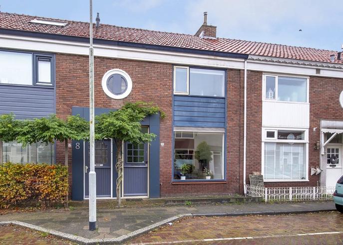 Dekkerstraat 10 in Beverwijk 1944 VB