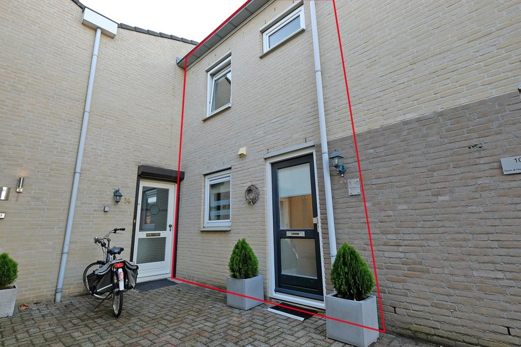 Beatrixlaan 12 in Maasbracht 6051 NA