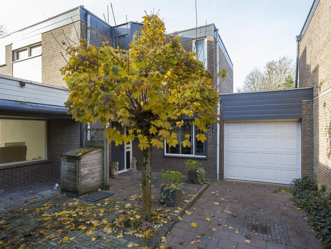 Toutenburg 54 in Zevenbergen 4761 NT
