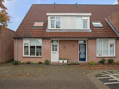 Rhenanialaan 32 in Alphen Aan Den Rijn 2406 GS