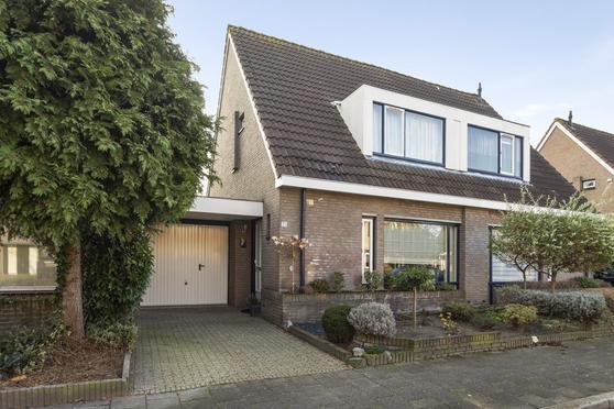 Enclaveberg 35 in Roosendaal 4708 ED
