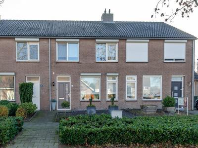 Pastoor Schippersstraat 12 in Weert 6006 VL