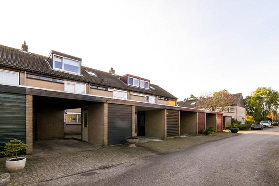 Rijndal 99 in Capelle Aan Den IJssel 2904 DB