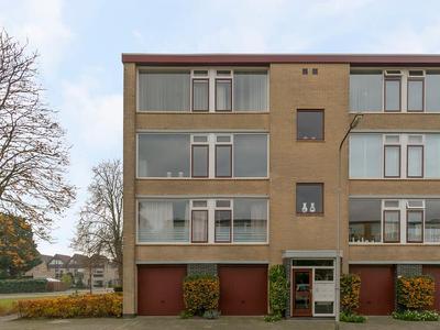 Van Anrooystraat 147 in Ridderkerk 2983 VG
