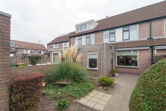 Appelvink 21 in Veenendaal 3906 AD