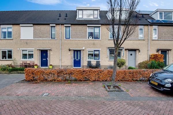 Maria Van Osstraat 5 in Hendrik-Ido-Ambacht 3343 DS