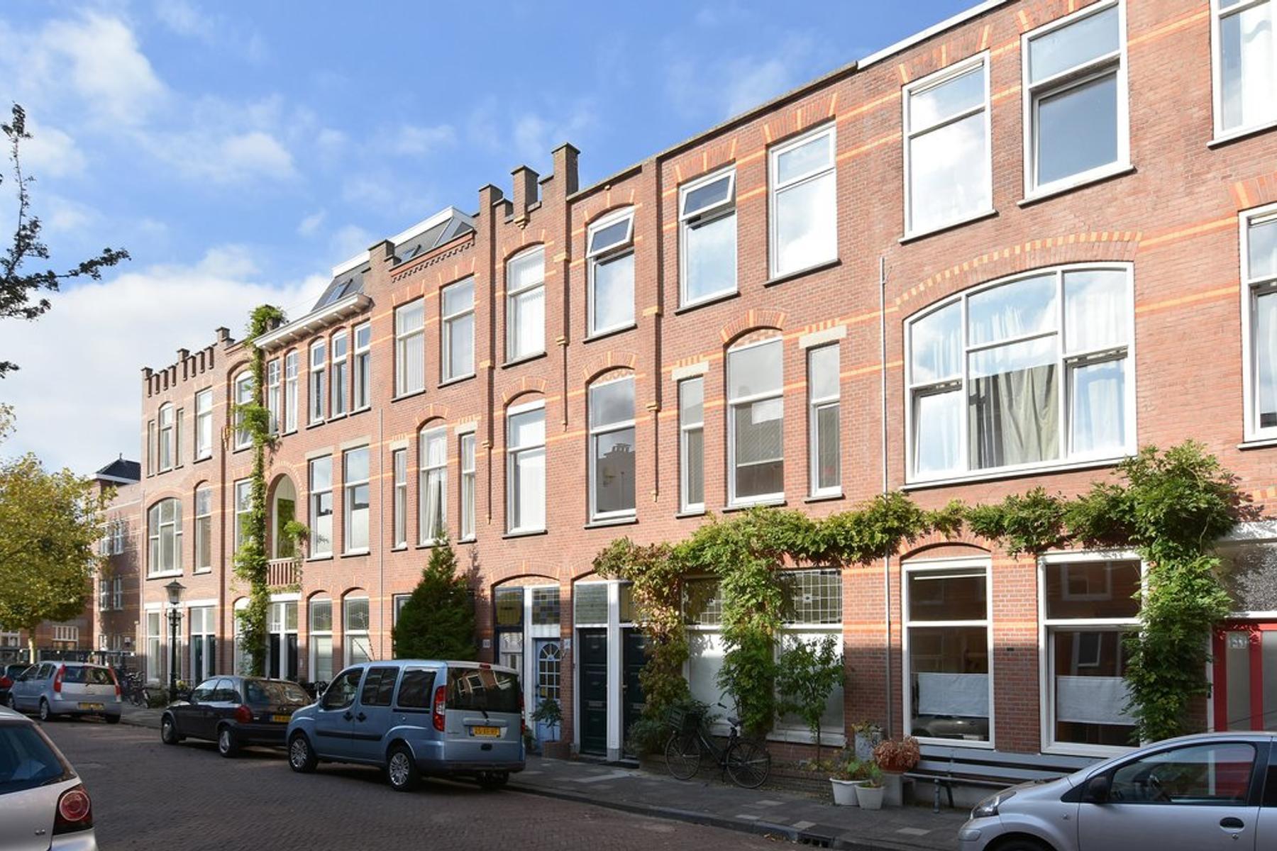 Copernicusstraat 145 in 'S-Gravenhage 2561 VT