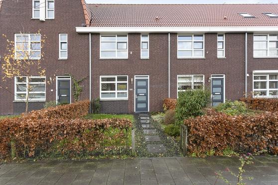 Radarstraat 27 in Roosendaal 4702 RA