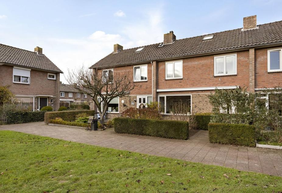 Beethovenlaan 235 in Zwolle 8031 CB